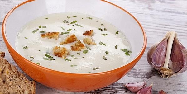supa-od-belog-luka-tanjir
