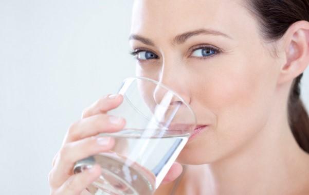 Voda_Koje-količine-trebate-piti-u-odnosu-na-vašu-kilažu