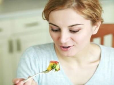 Kad napunite četrdeset, ovako treba da se hranite: Bolesti i naslage sa stomaka nestaju!