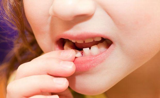 dijete-mlijecni-zub