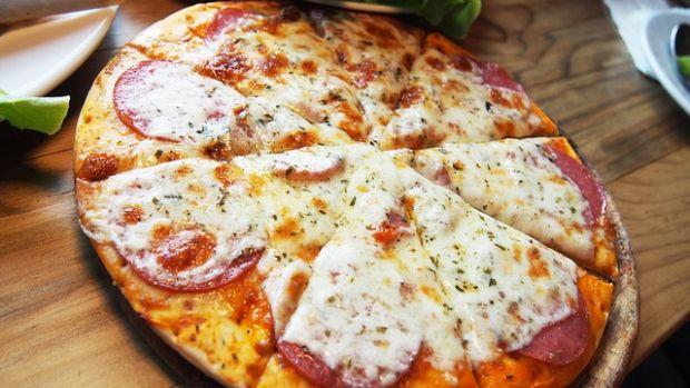 Recept za pizzu od 300 kalorija za uživanje bez grižnje savjesti