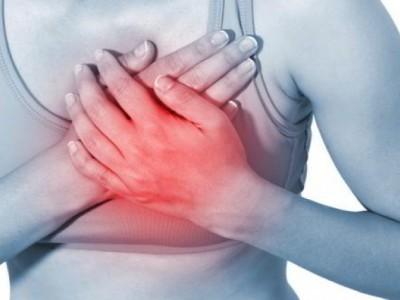 Opasne vrućine! Ovi simptomi su najava skorog srčanog udara