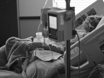SVAKOG DANA NAM UBIJA NAJBLIŽE – OBRATITE PAŽNJU: Ovo su najraniji znakovi da rak raste u vašem tijelu