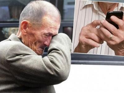 OTIŠAO STARAC U RADNJU MOBITELA, PITAO ŠTA MU JE S TELEFONOM Kad su rekli da je ispravan, zaplakao..