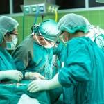 hirurzi_hirurg_ljekar_ljekari_operacija_bolnica_hitna_pixabay