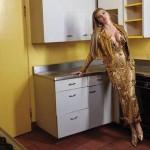 zena-kuhinja-ilustracija