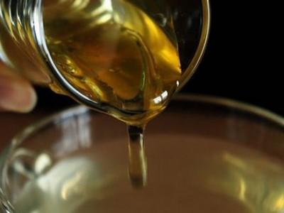 Moćan med koji liječi i kada antiobiotici ne mogu: Riješite se upale, astme, psorijaze!