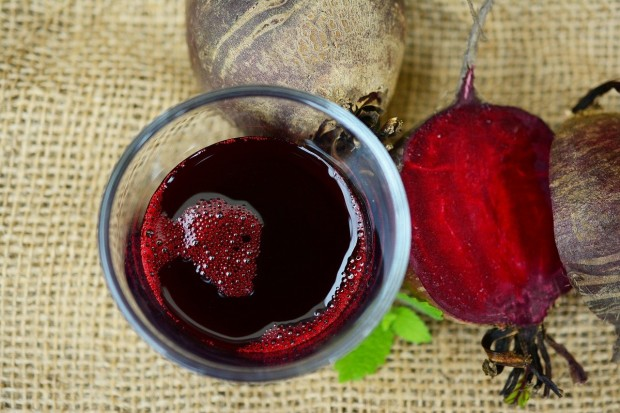 beetroot-juice-2512474_1280