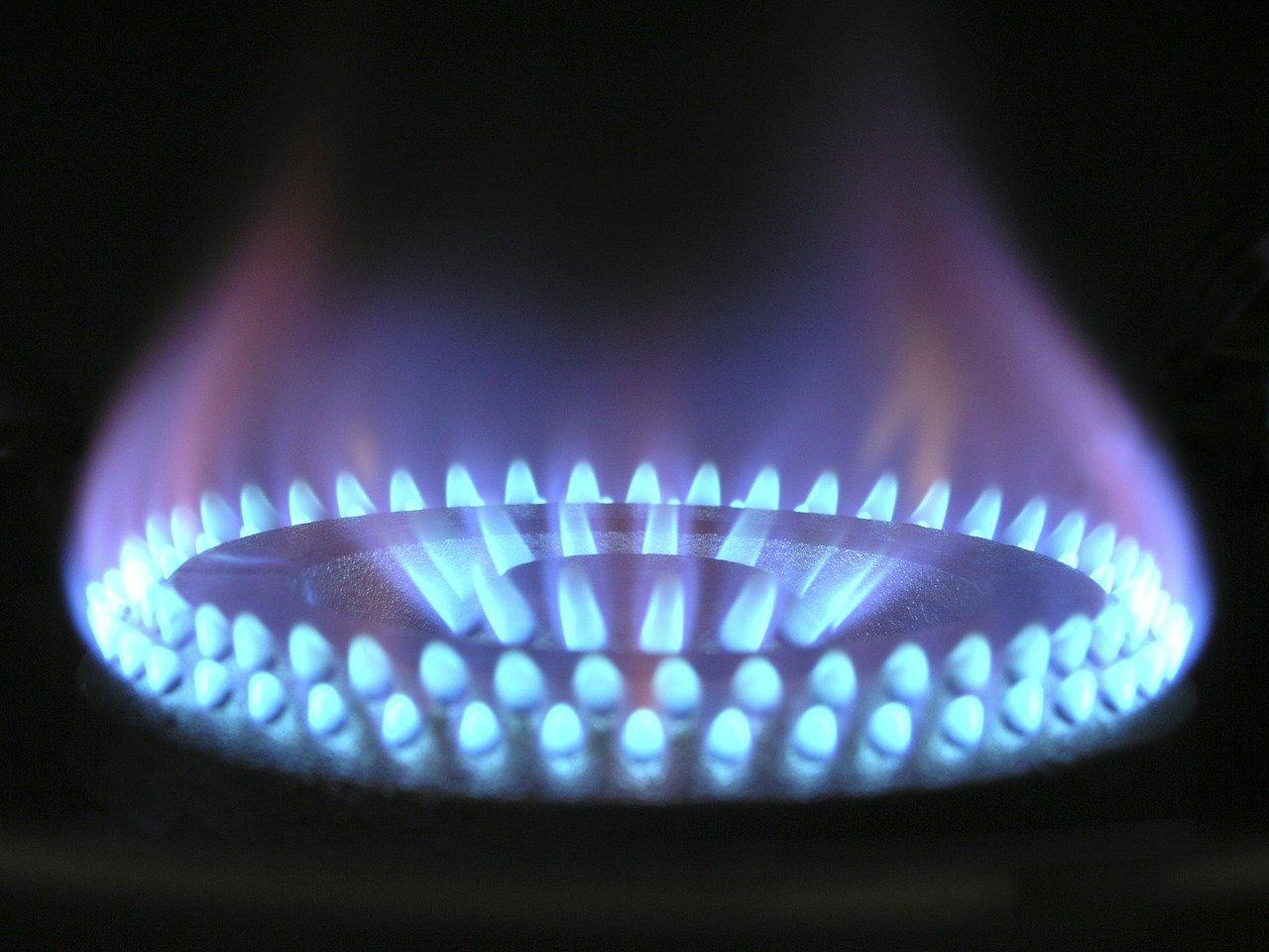 flame-580342_1280